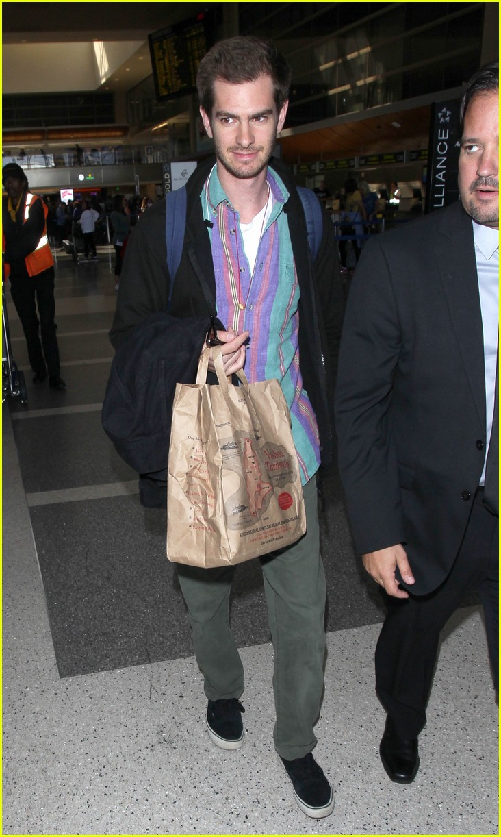 andrew garfield colorful at lax 013960623
