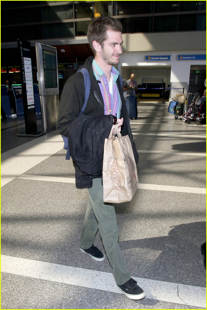 andrew garfield colorful at lax 063960628