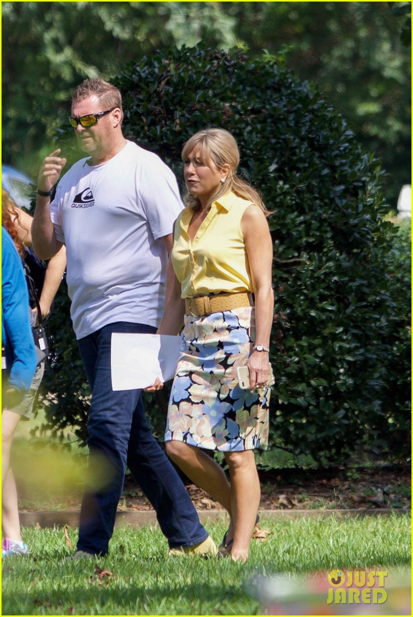 jennifer aniston dumplin set photos 023952053