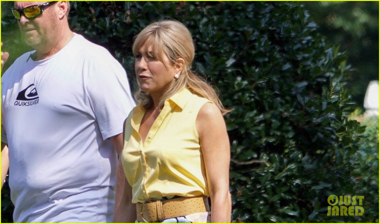 jennifer aniston dumplin set photos 043952055