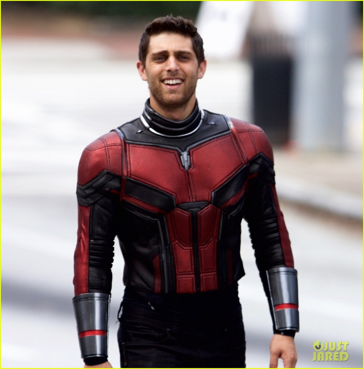 Ryan Seacrest Shirtless >> Paul Rudd's 'Ant-Man' Stunt Double Is an Amputee & Looks Really Hot in Costume!: Photo 3962865 ...