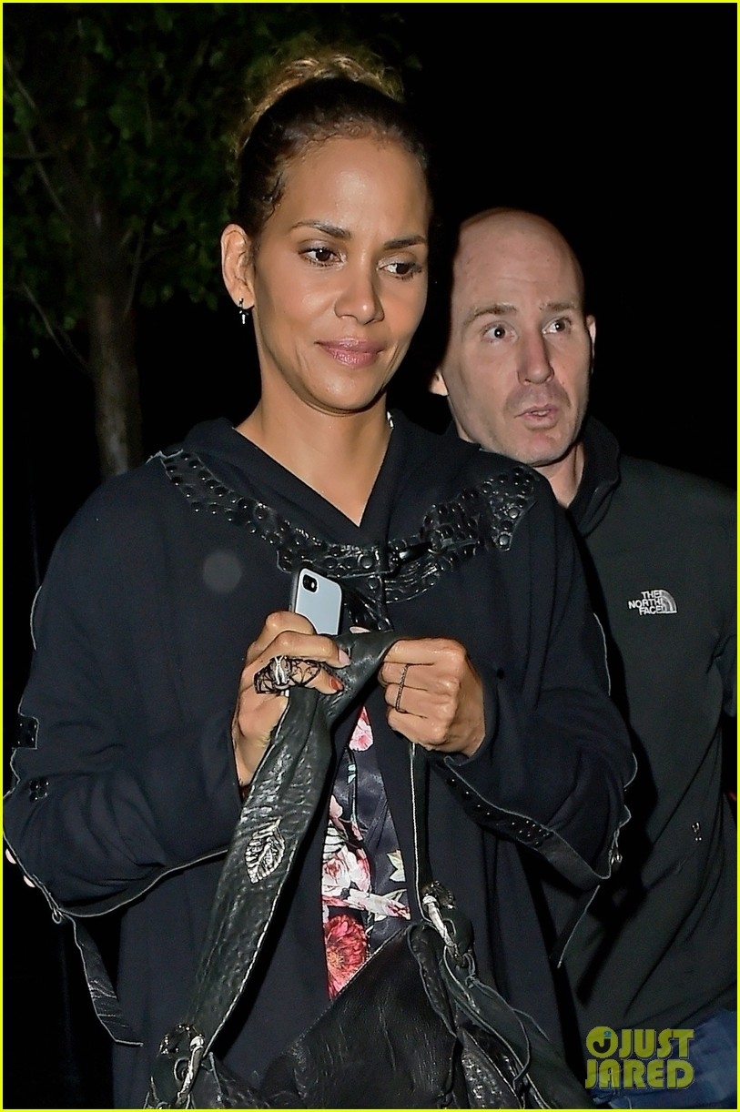 halle berry rocks leopard print for dinner in london 043959780