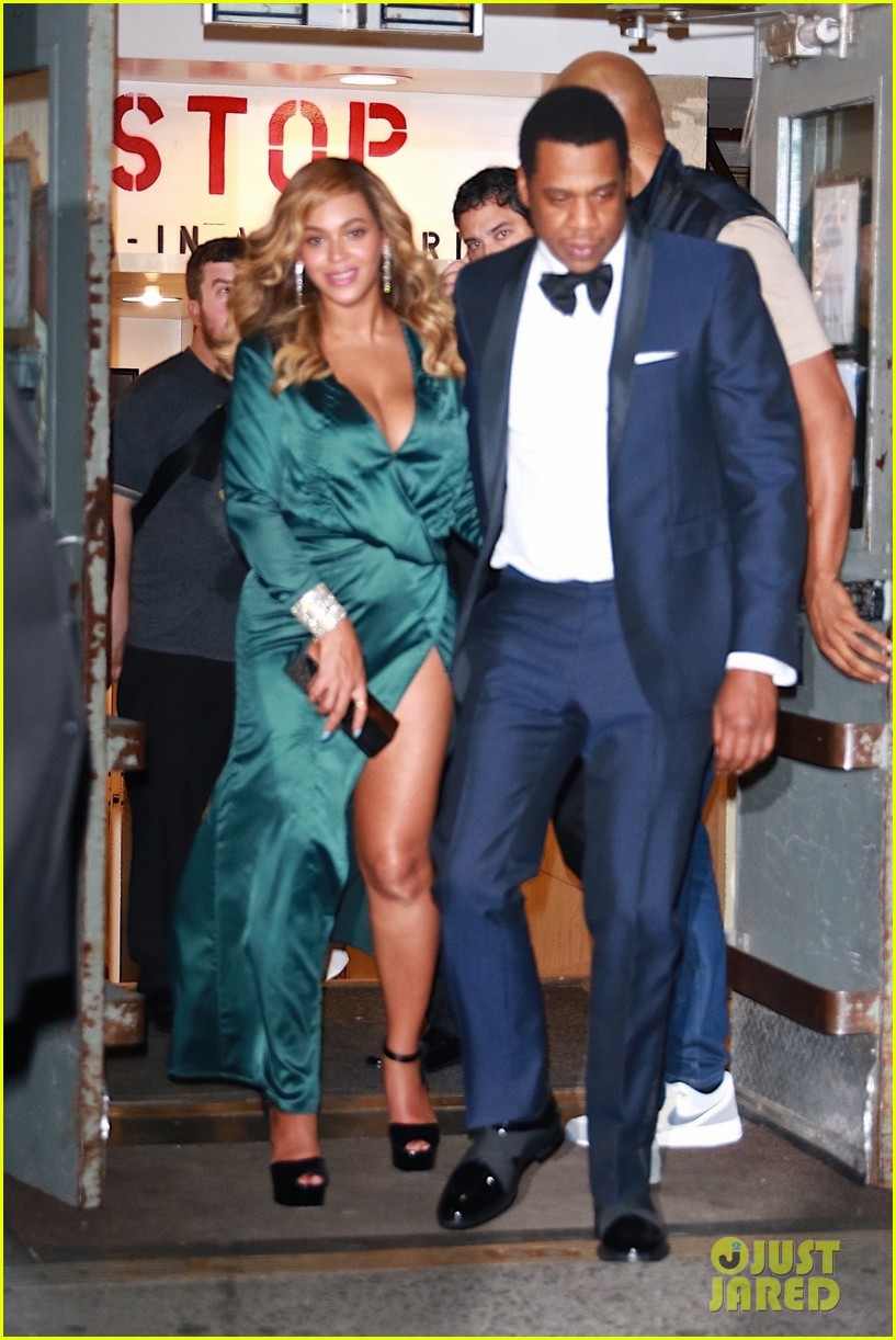 beyonce jay z couple up fror rihanna diamond ball 013957405