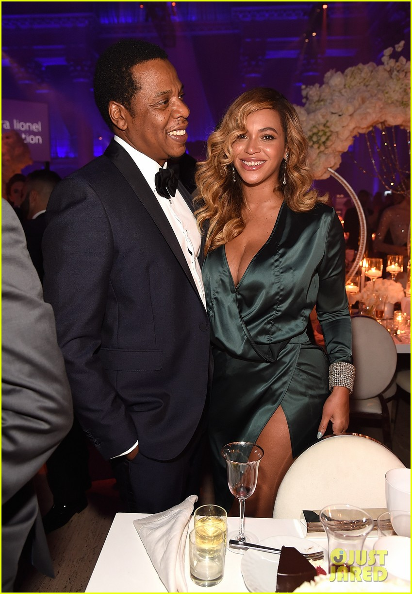 beyonce jay z couple up fror rihanna diamond ball 033957407