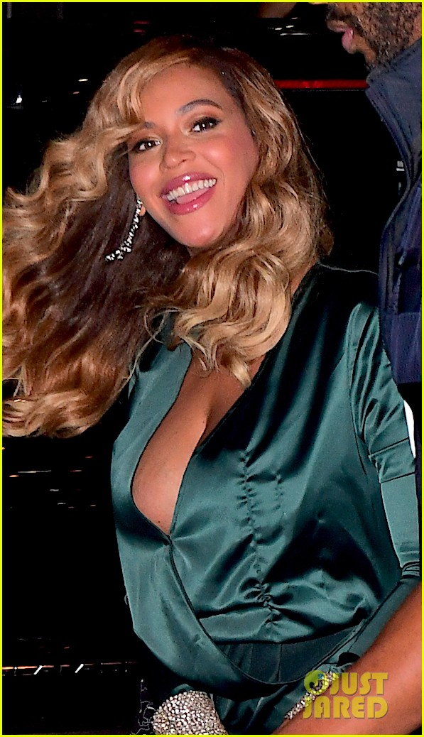 beyonce jay z couple up fror rihanna diamond ball 073957411