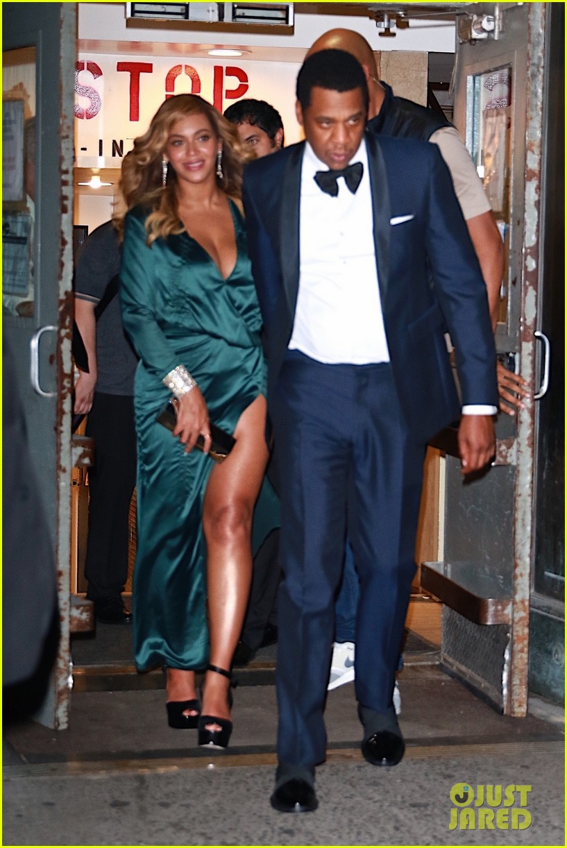 beyonce jay z couple up fror rihanna diamond ball 103957414
