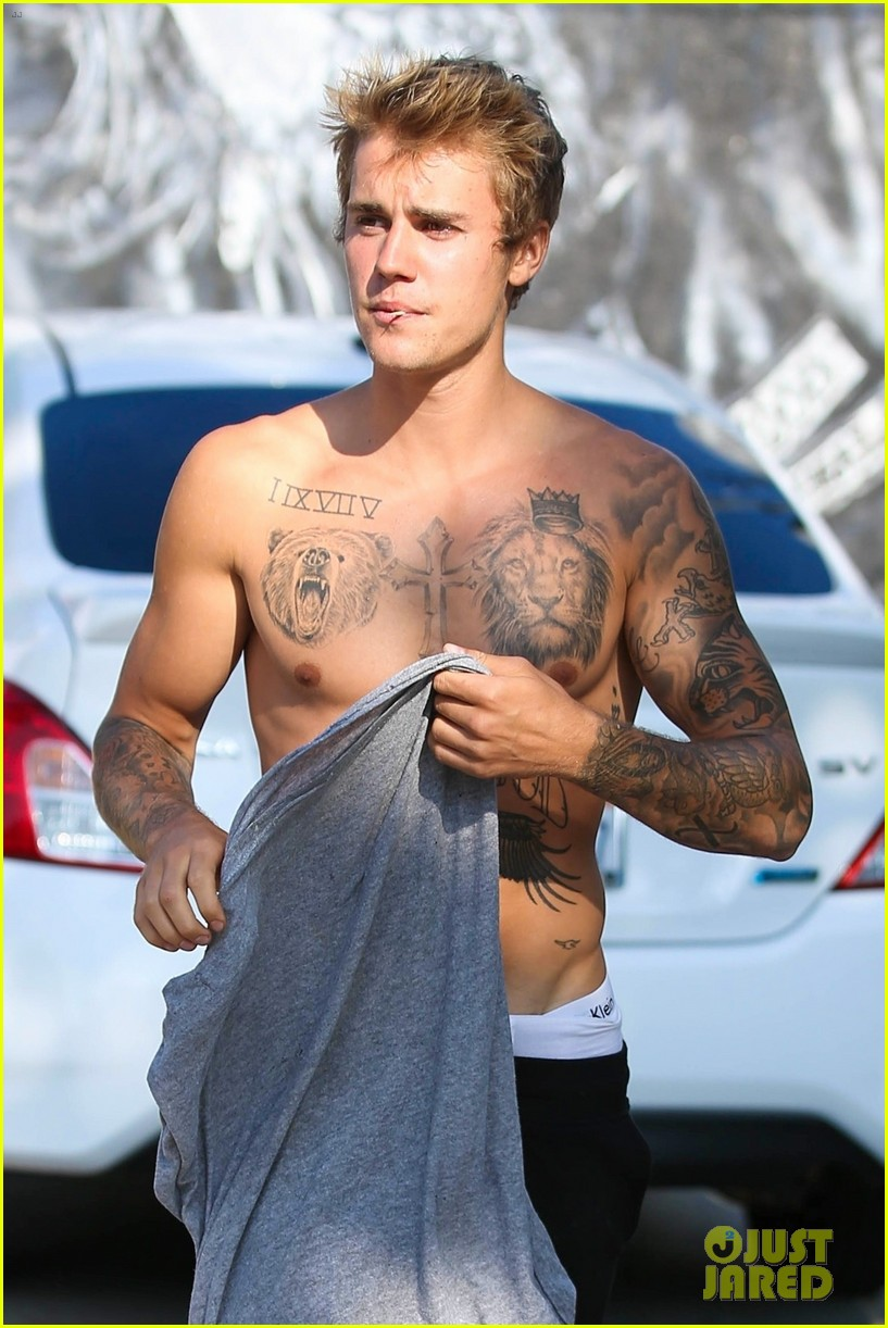 justin bieber shirtless skateboarding 463960137