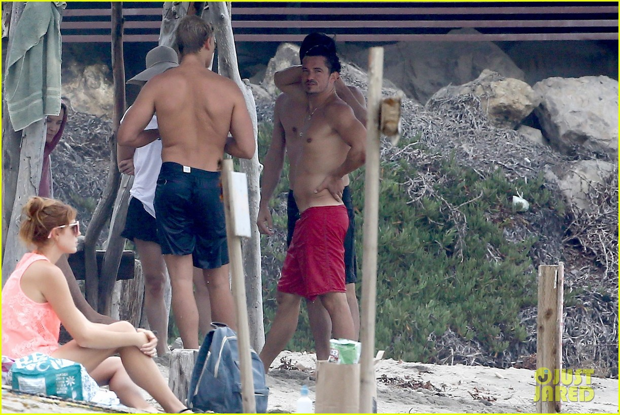 orlando bloom goes shirtless in malibu for labor day weekend 273950548