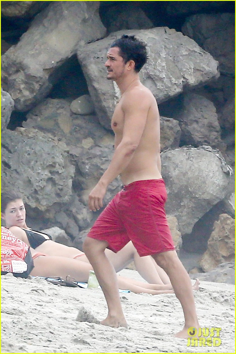 orlando bloom goes shirtless in malibu for labor day weekend 393950560