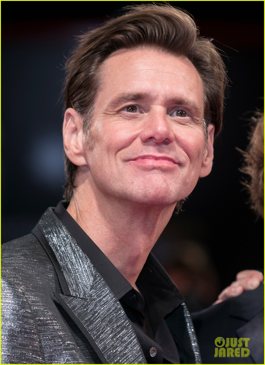 jim carrey premieres documentary at venice film festival 023950633