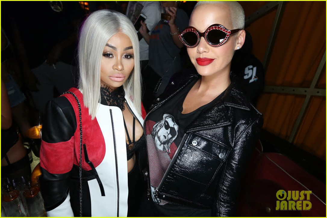 blac chyna parties with amber rose in hollywood 033956120
