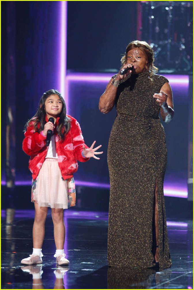 kelly clarkson kechi angelica hale americas got talent finale 033961665