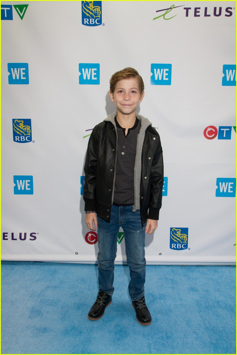 kelly clarkson and vanessa hudgens inspire youth at we day 073966150