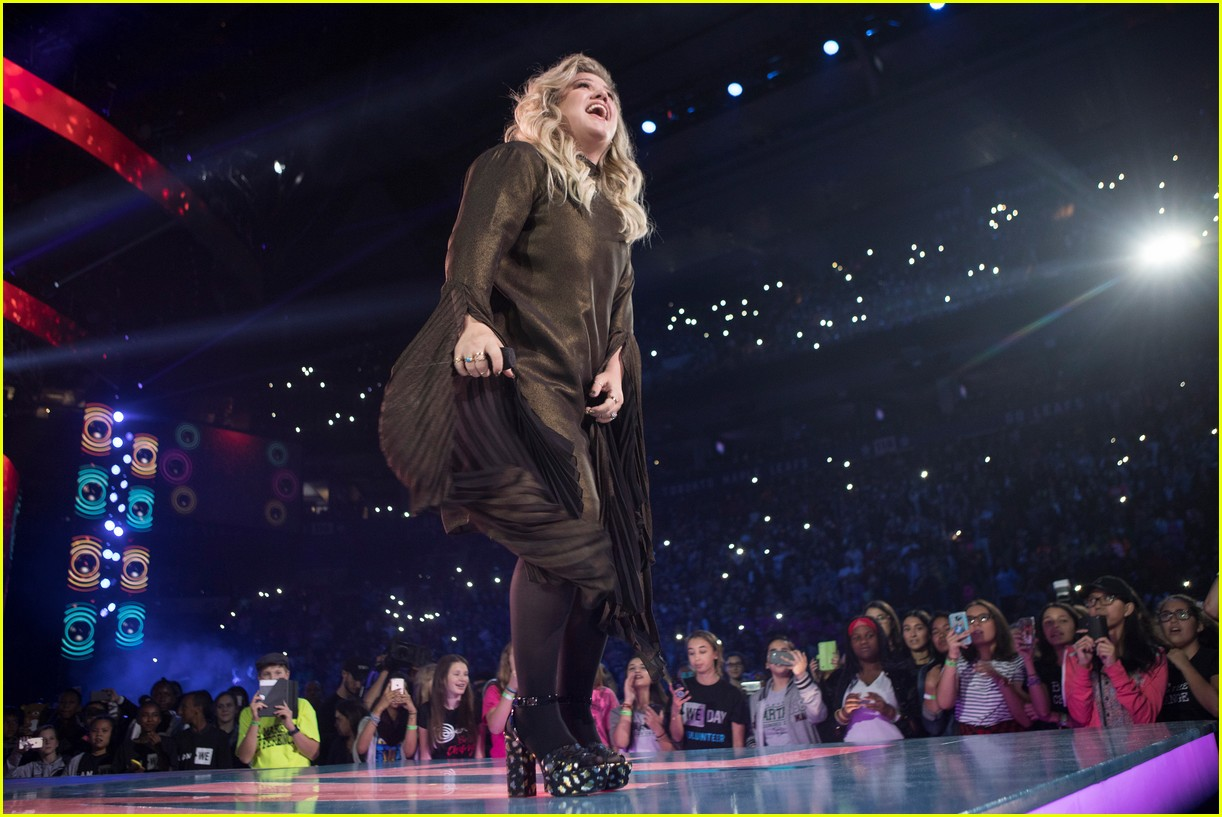 kelly clarkson and vanessa hudgens inspire youth at we day 153966158
