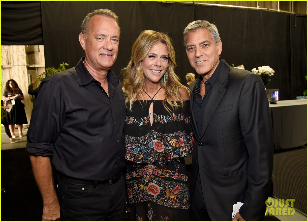george clooney julia roberts reunite at hand in hand telethon 053955894