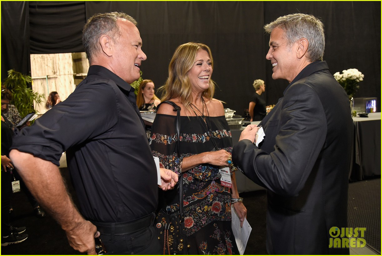 george clooney julia roberts reunite at hand in hand telethon 093955898