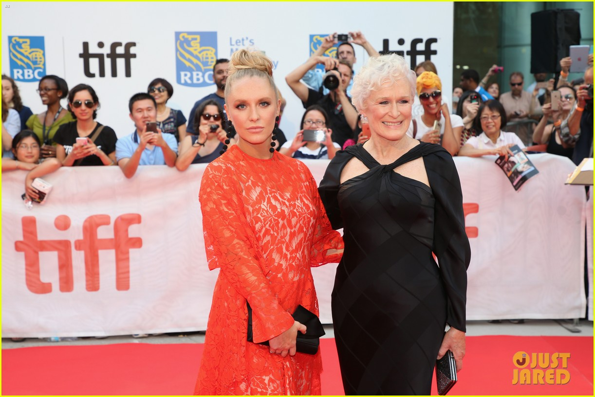 glenn close daughter annie stark premiere their new movie the wife at tiff 023957275