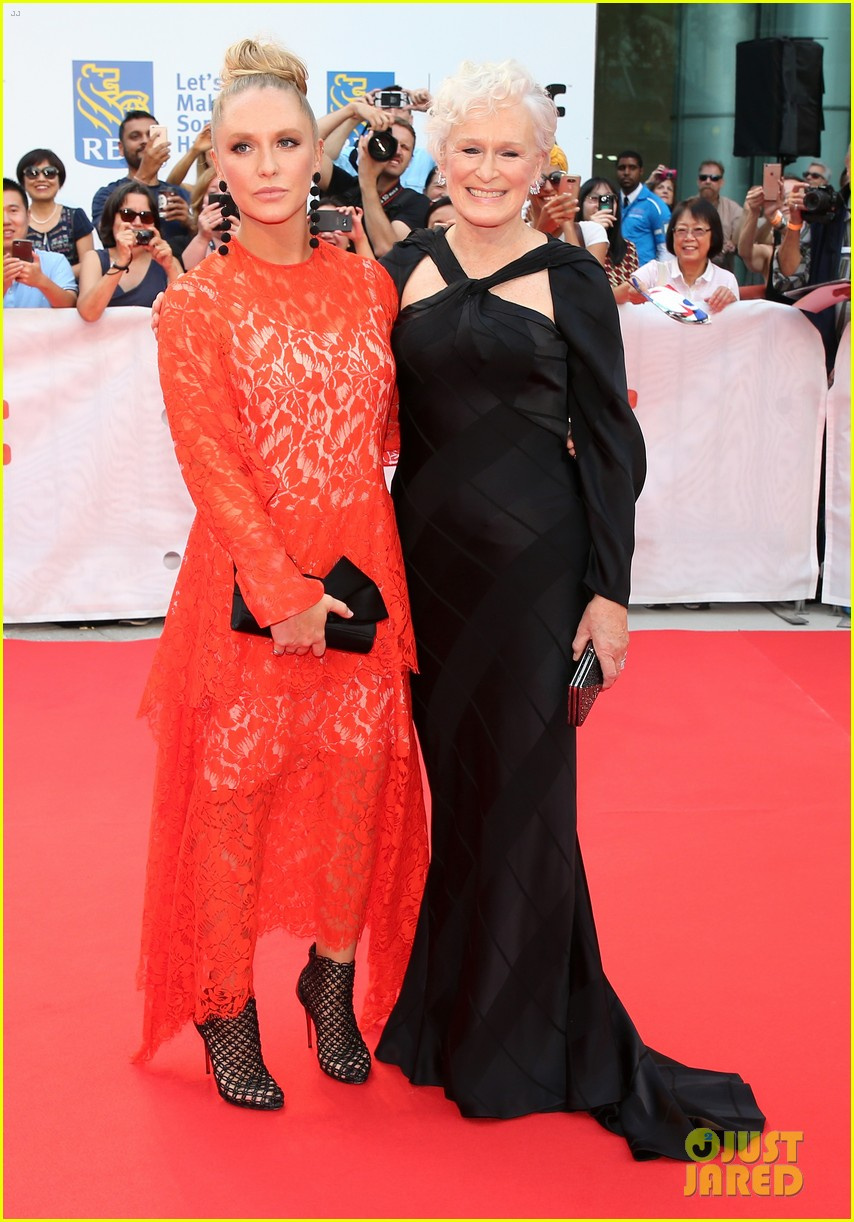 glenn close daughter annie stark premiere their new movie the wife at tiff 053957278