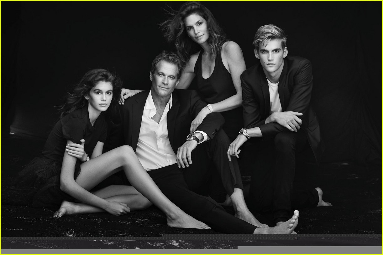 cindy crawford and rande gerber join kids kaia and presley at her time omega photocall3 033966277