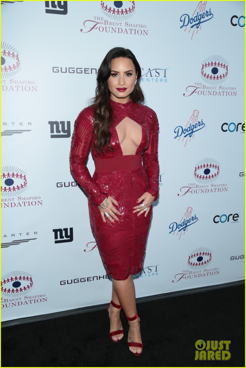 demi lovato spirit of sobriety 093954241