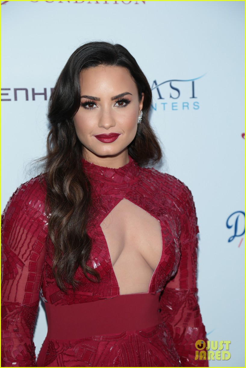 demi lovato spirit of sobriety 123954244
