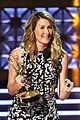 laura dern wns best supporting actress for big little lies at emmy 2017 06