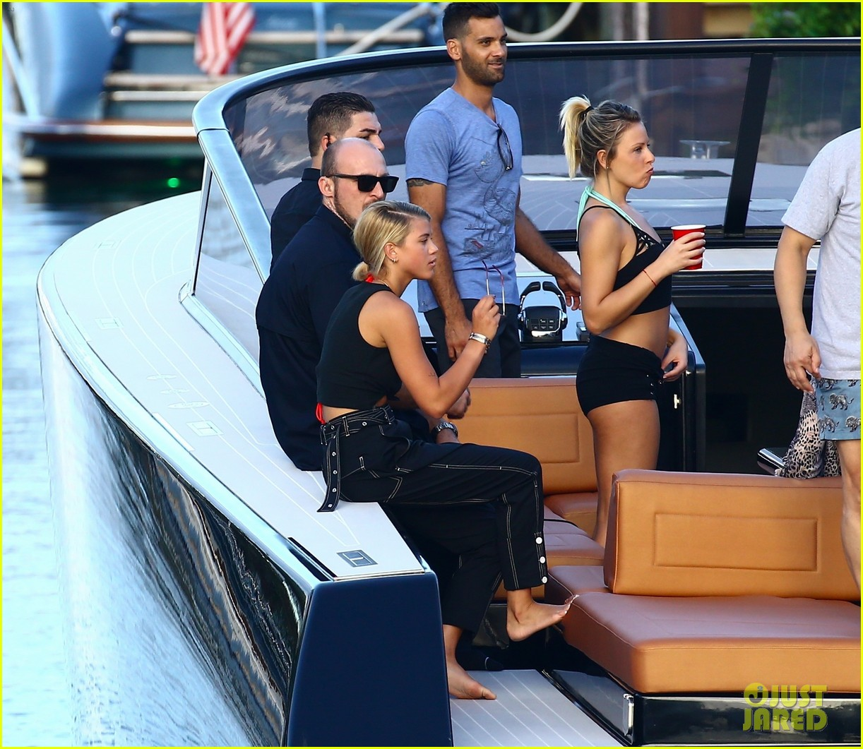 scott disick and sofia richie flaunt pda on a boat with friends2 133962993