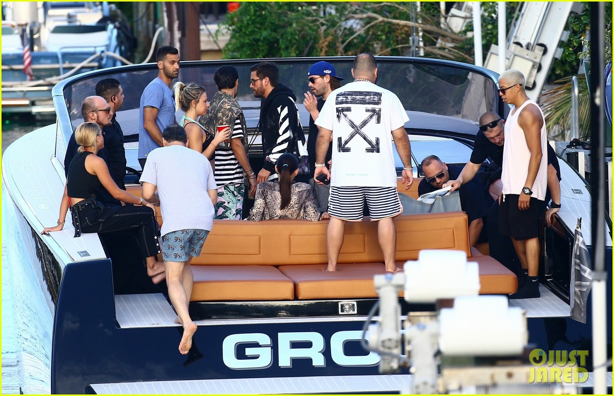 scott disick and sofia richie flaunt pda on a boat with friends2 153962995