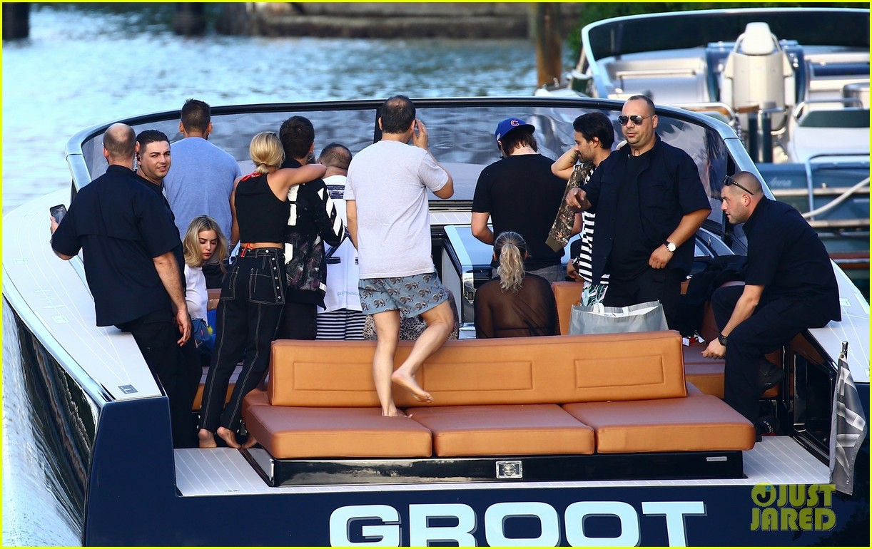 scott disick and sofia richie flaunt pda on a boat with friends2 213963001
