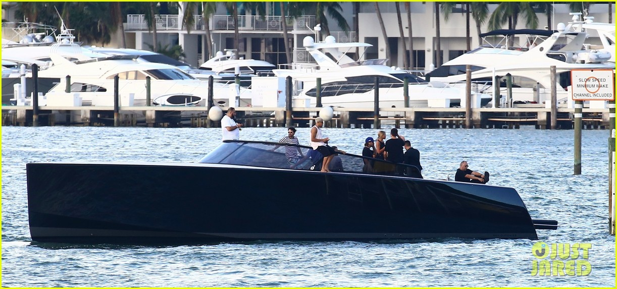 scott disick and sofia richie flaunt pda on a boat with friends2 283963008