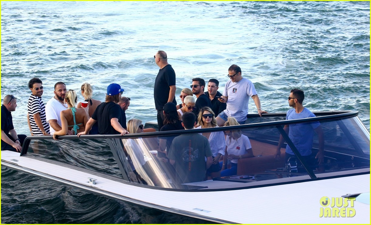 scott disick and sofia richie flaunt pda on a boat with friends2 343963014