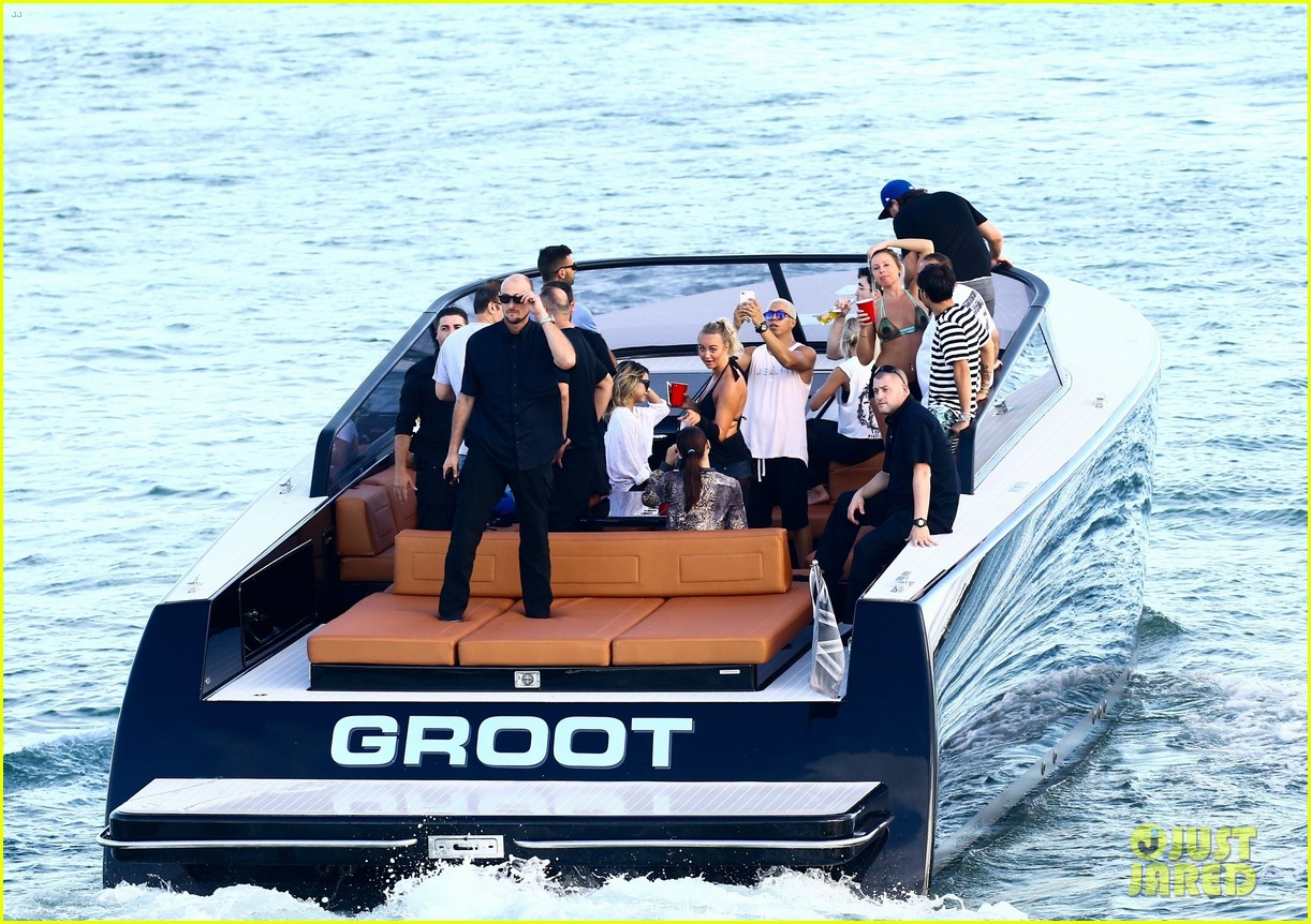 scott disick and sofia richie flaunt pda on a boat with friends2 48