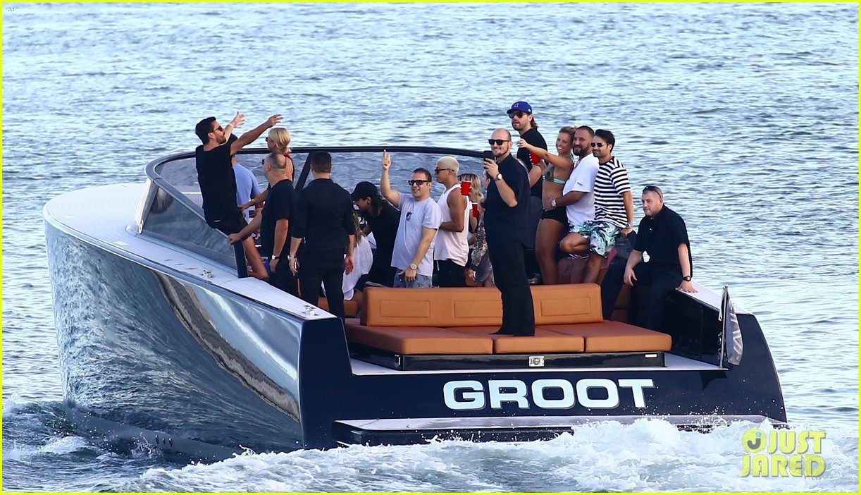 scott disick and sofia richie flaunt pda on a boat with friends2 513963031