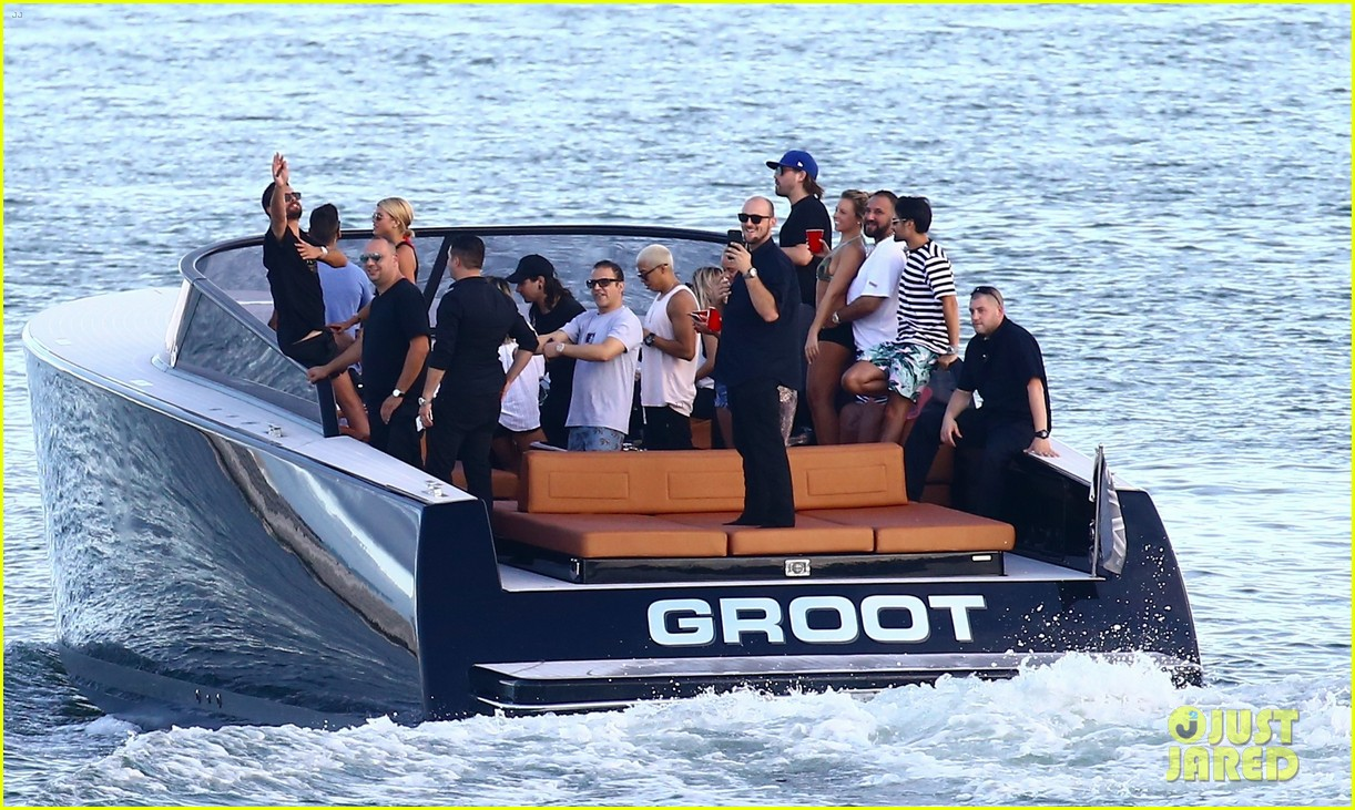 scott disick and sofia richie flaunt pda on a boat with friends2 533963033