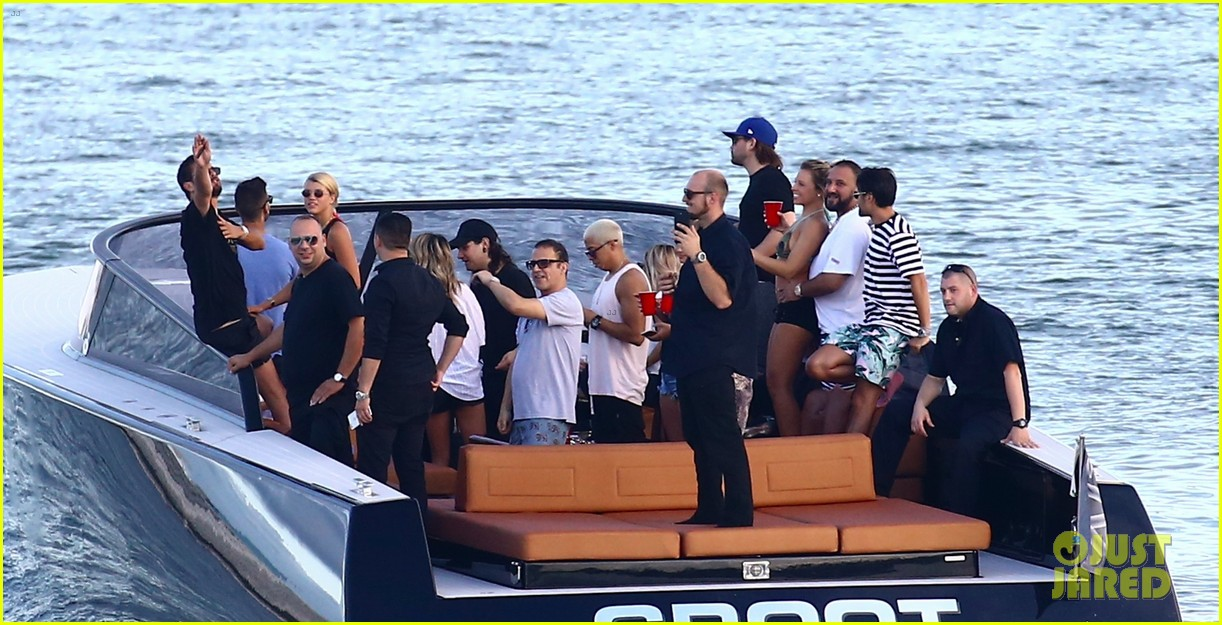 scott disick and sofia richie flaunt pda on a boat with friends2 543963034