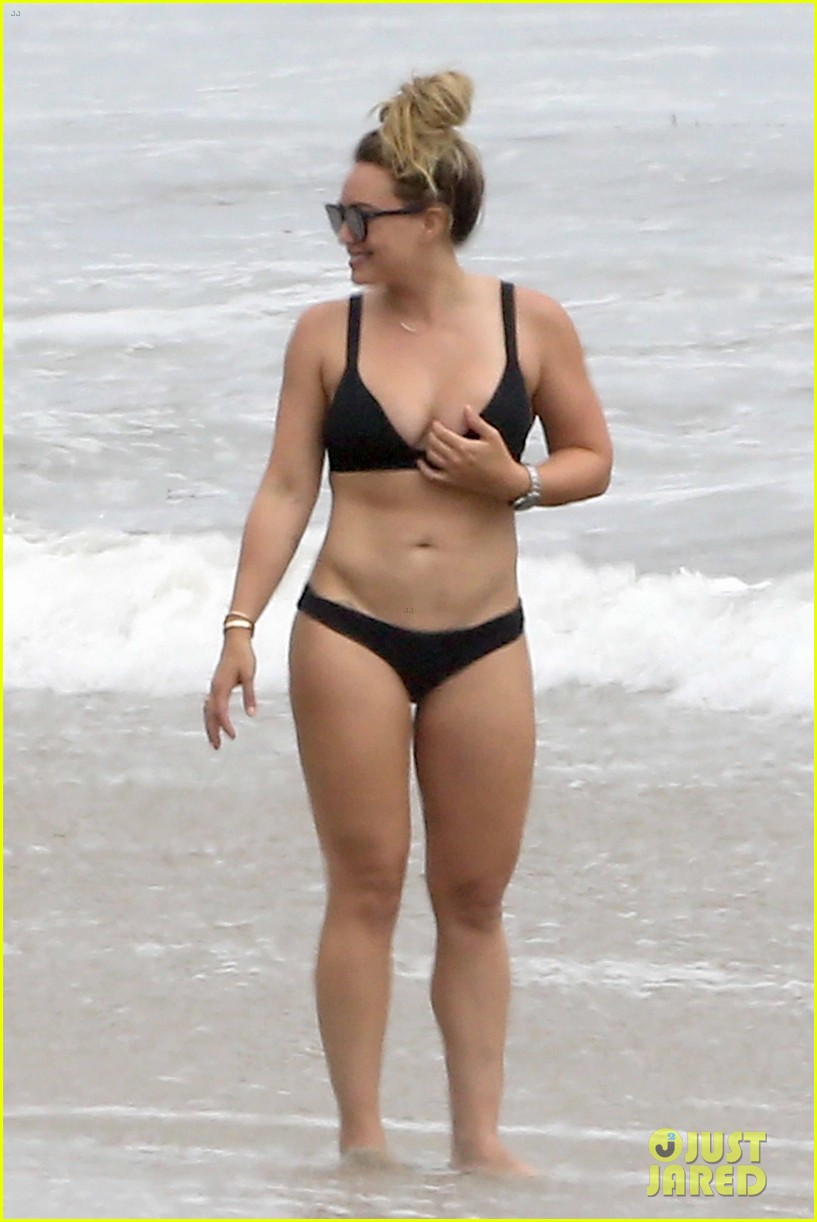 hilary duff bikini labor day 093950329