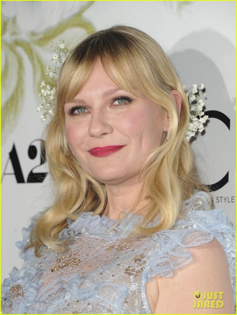 kirsten dunst wears sheer dress with flowers for woodshock la premiere 053960665