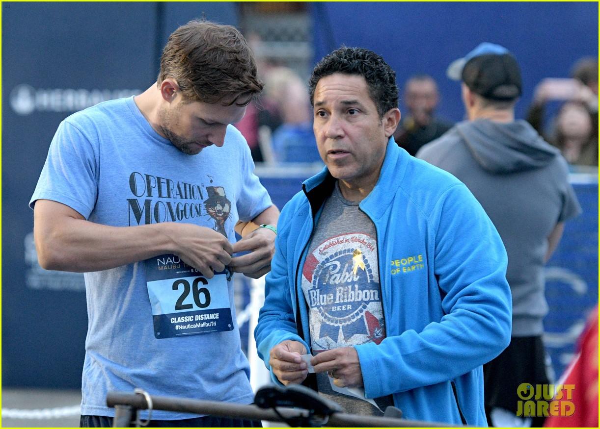 zac efron races his heart out in malibu triathlon for childrens hospital la2 053958920