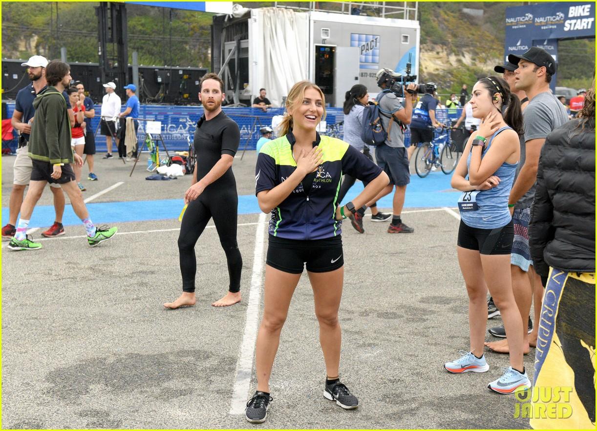 zac efron races his heart out in malibu triathlon for childrens hospital la2 123958927