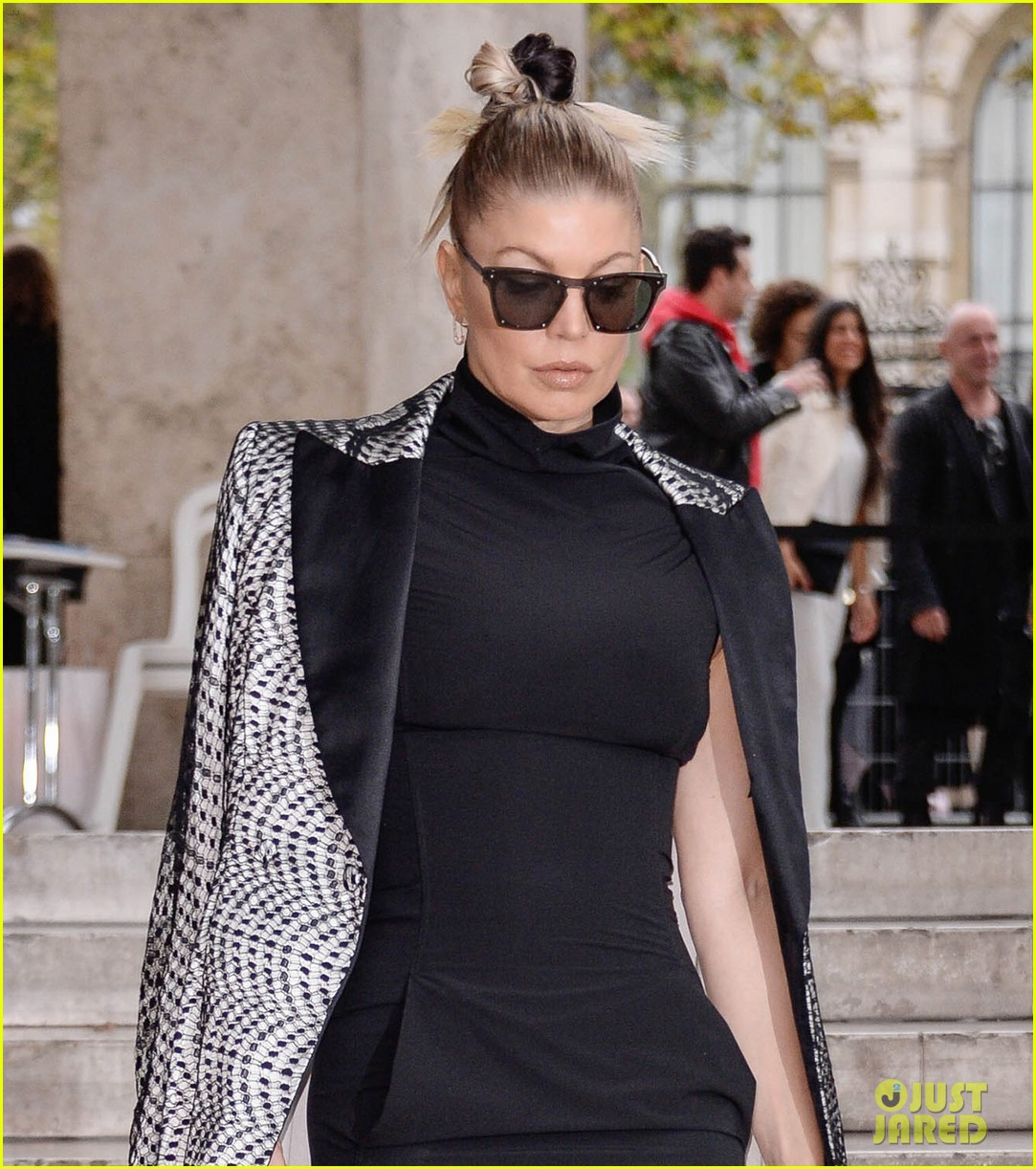 Fergie Wears A Dress With Pockets To Rick Owens Paris Show Photo 3965979 Fergie Pictures Just Jared