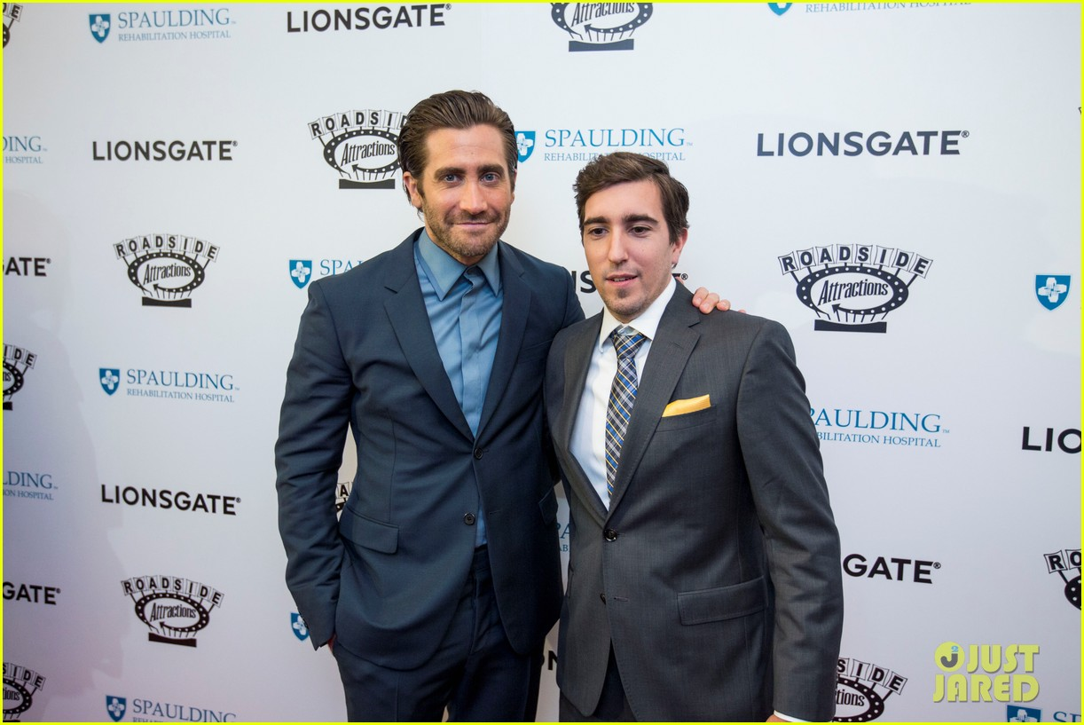 jake gyllenhaal stronger boston premiere 073956200