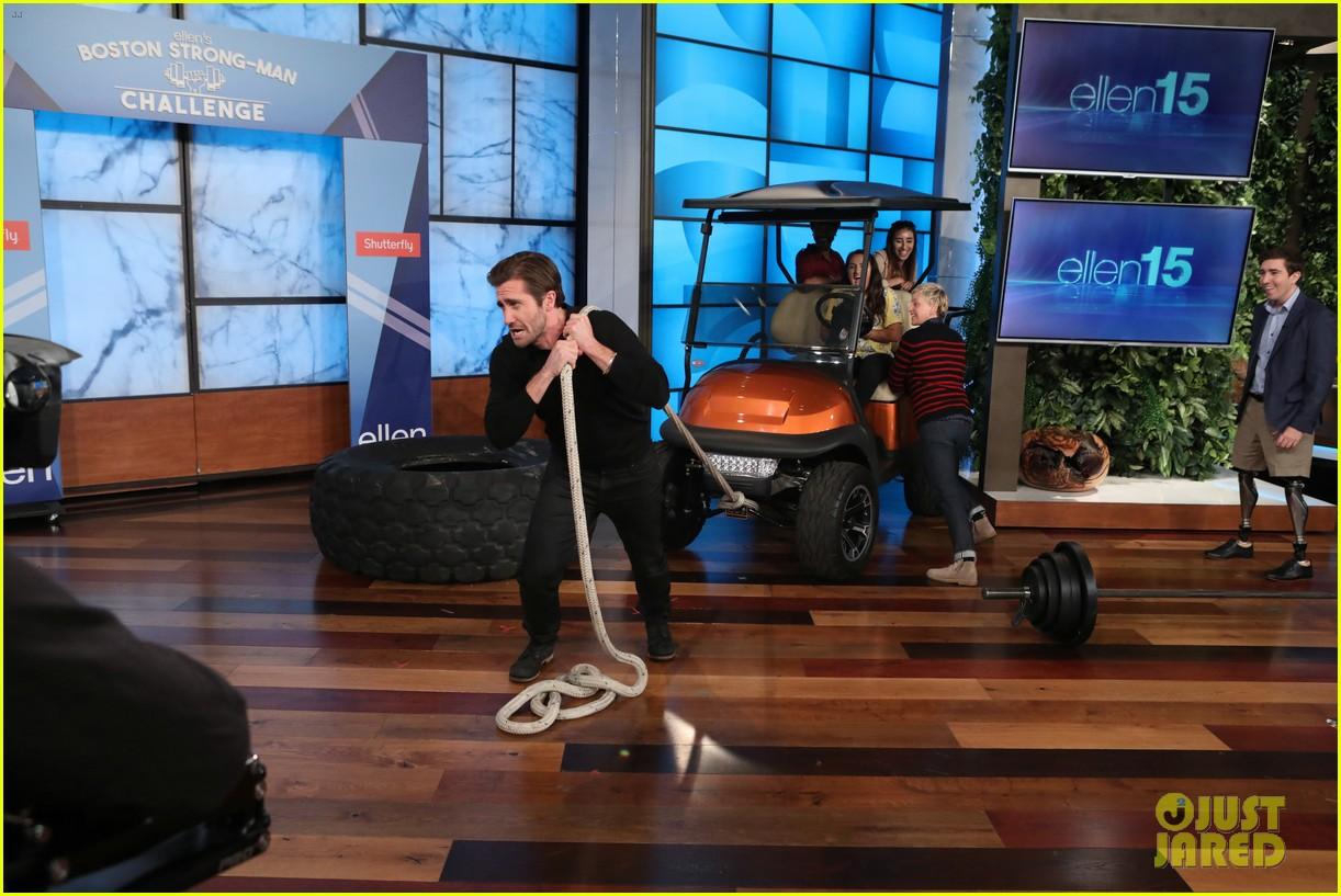 jake gyllenhaal takes on ellens boston strongman challenge for charity 043962378