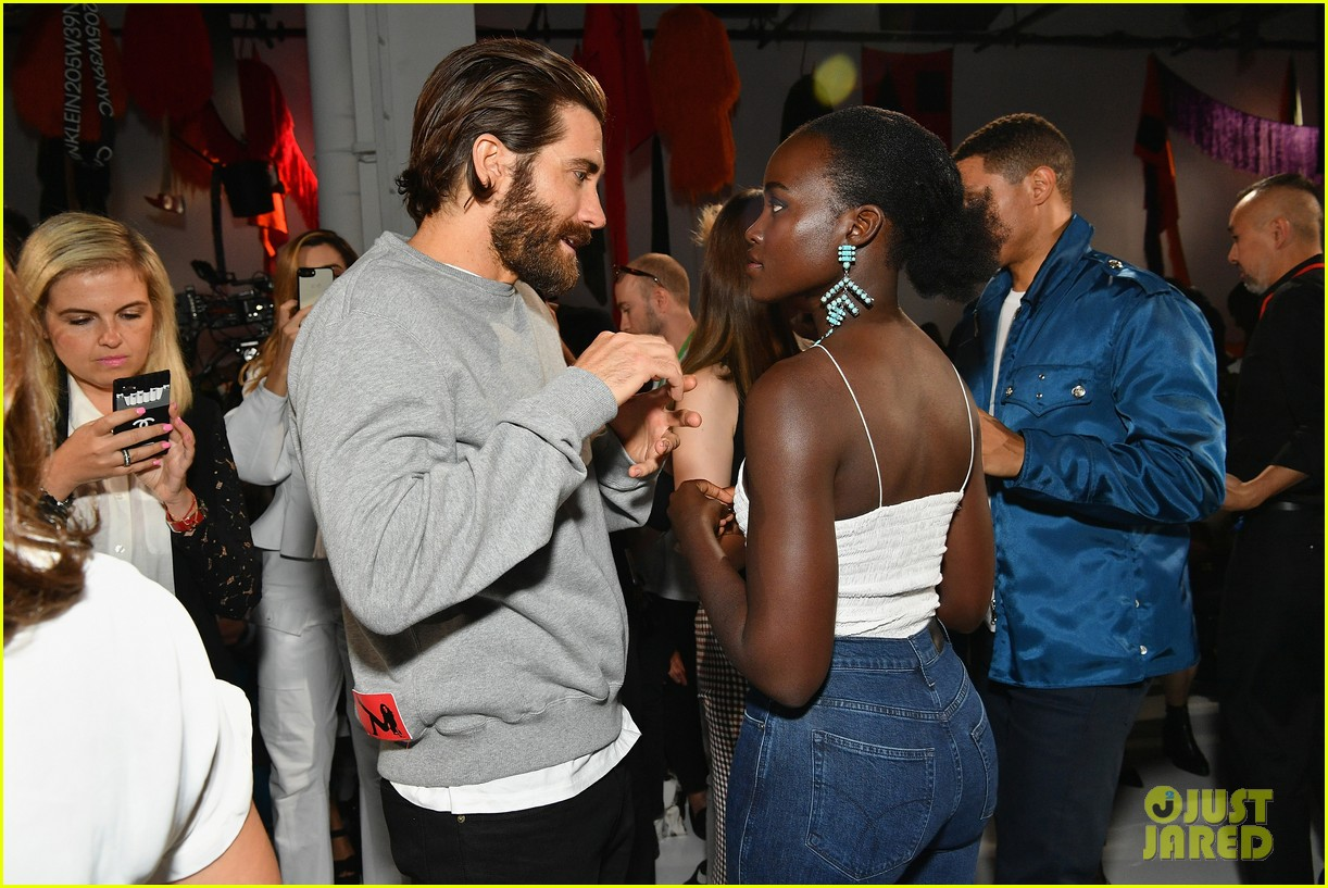 Jake Gyllenhaal Amp Lupita Nyong O Hang With Trevor Noah At