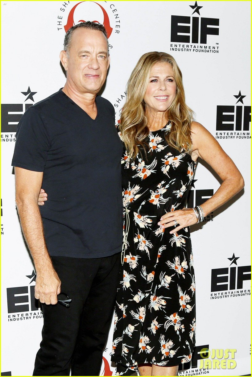 tom hanks wife rita wilson get star support at simply shakespeare benefit 043960868