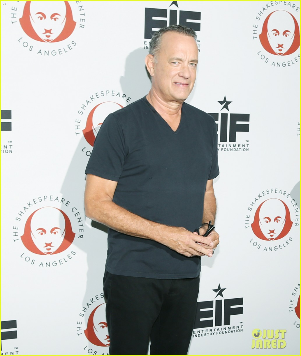 tom hanks wife rita wilson get star support at simply shakespeare benefit 113960875