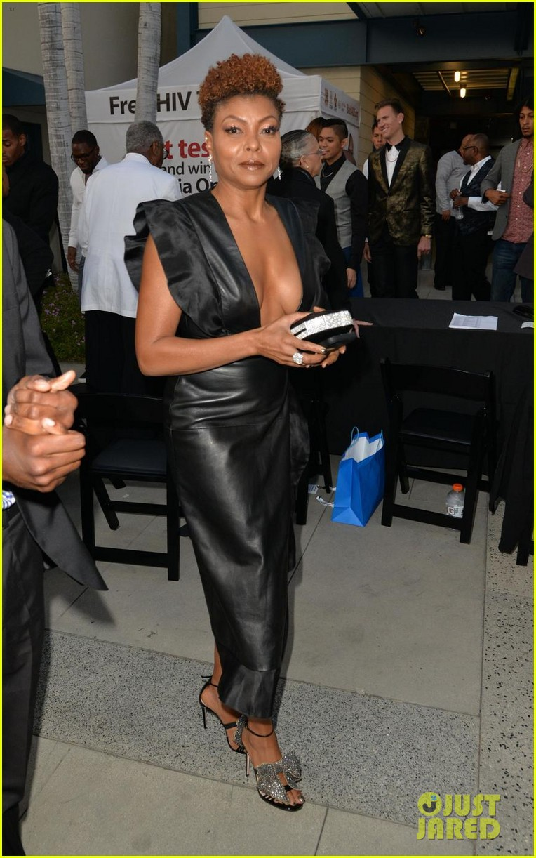 taraji p henson gets honored at heroes in the struggle awards 013960280