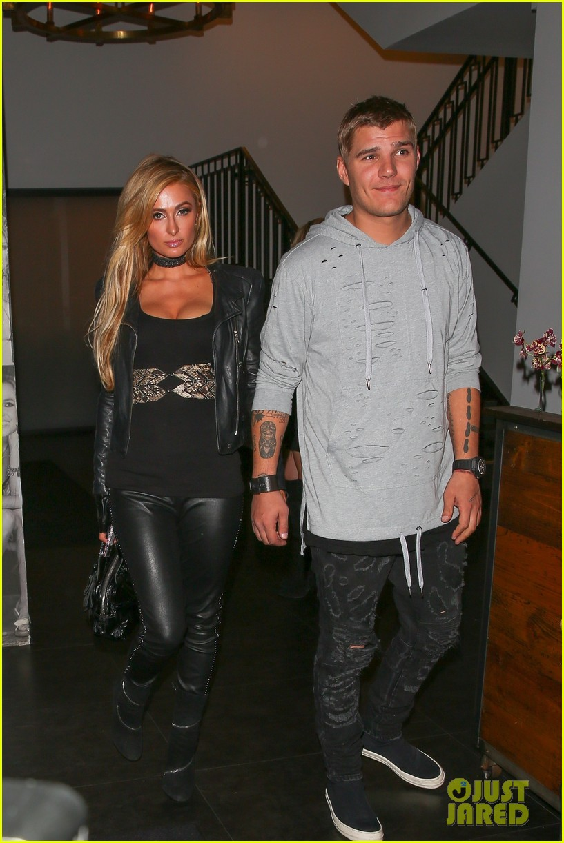 Nina Dobrev Brothers And Sisters Paris Hilton Has 'Comp...