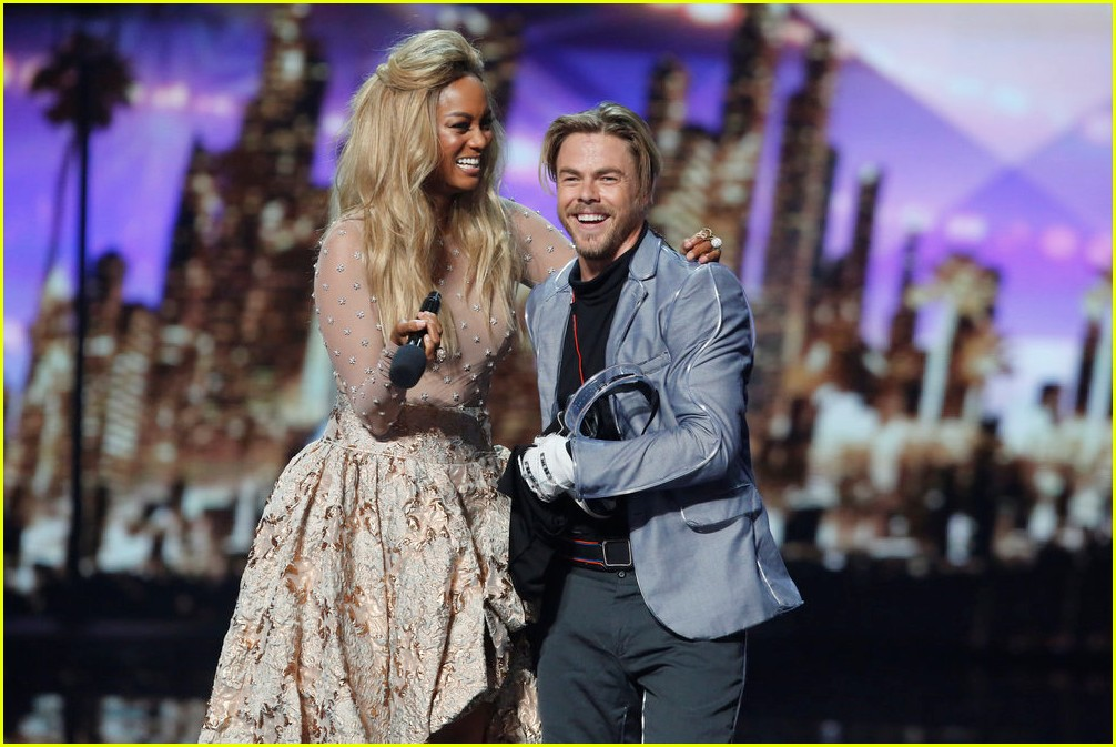 derek hough light balance americas got talent finale 043961675