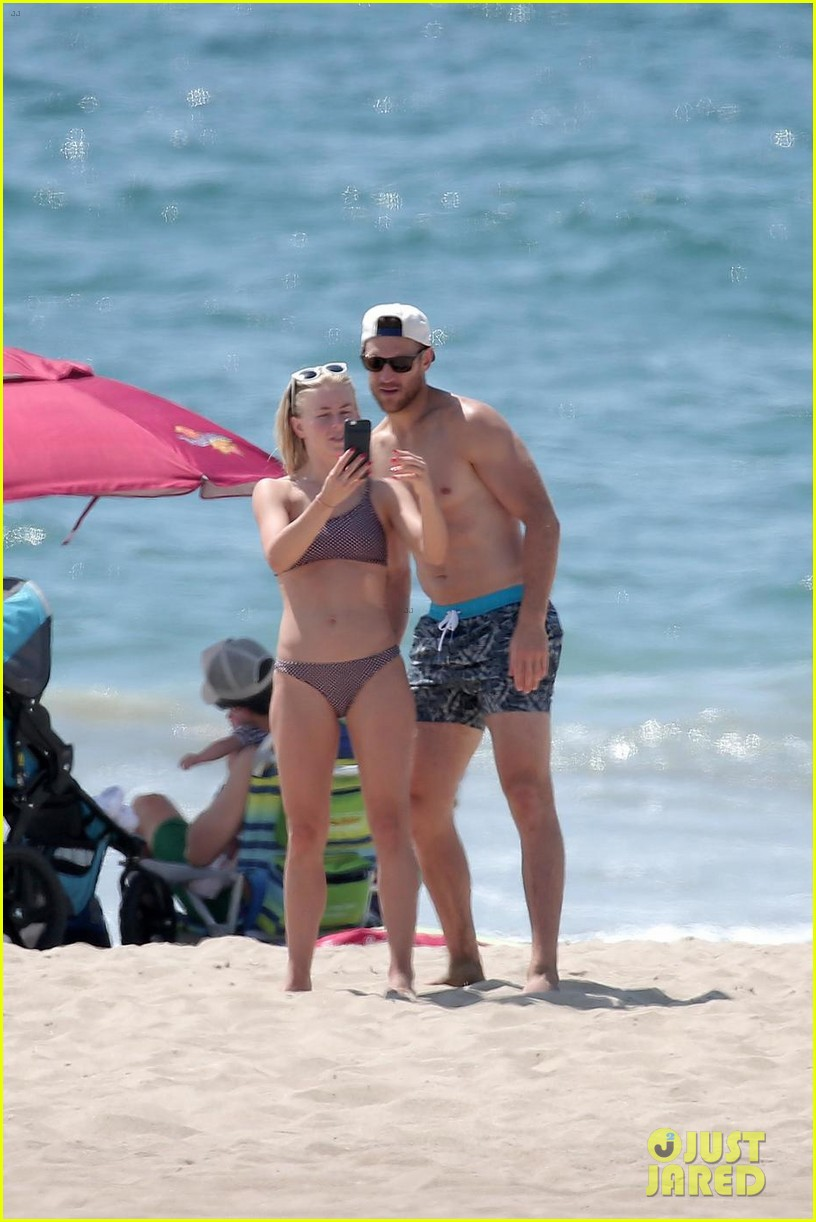 julianne hough husband brooks laich show off their hot beach bodies 013950496