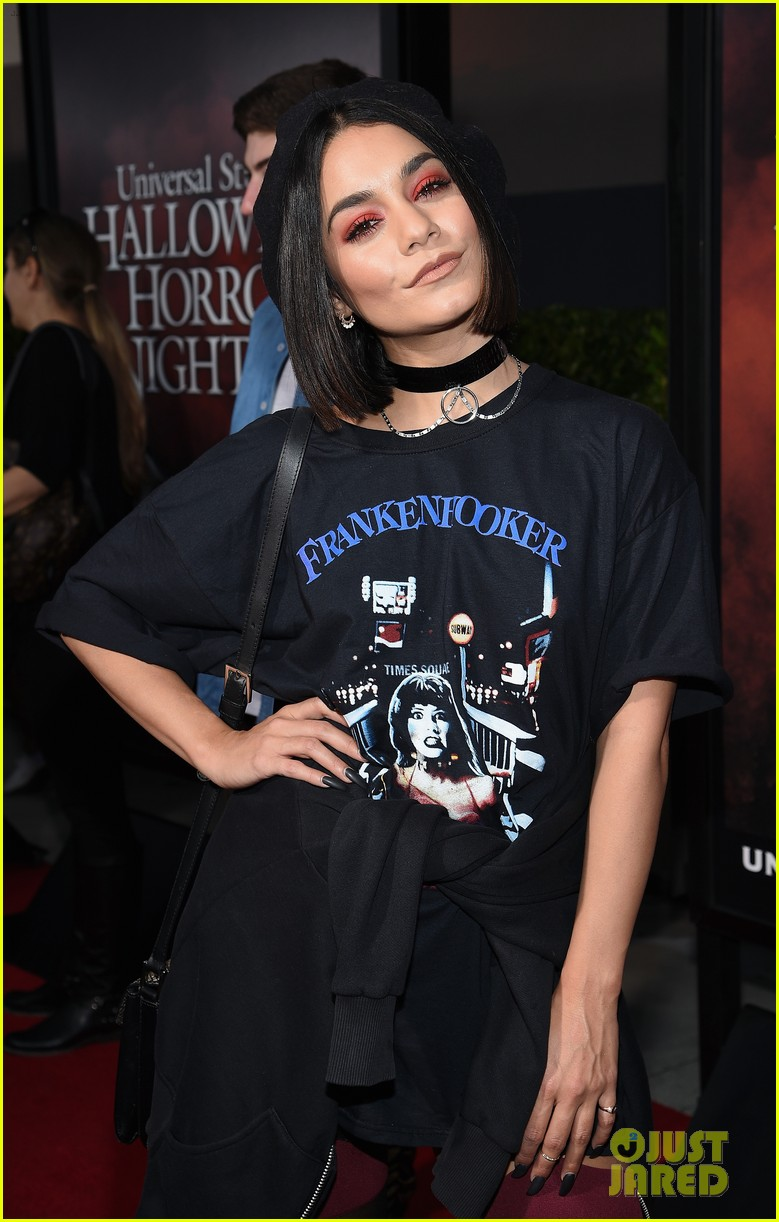 vanessa hudgens goes goth chic at universal studios halloween horror nights 083958285